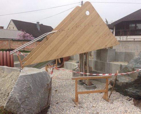 Ein Holzspspielplatz Wird Gebaut
